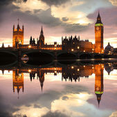Famous Big Ben in the evening with bridge, London, England — Foto de Stock