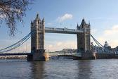 Slavný tower bridge, londýn, velká británie — Stock fotografie