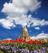 Paris, invalides à temps de printemps, célèbre point de repère, france — Photo