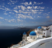 Santorini island with church and blue vase in Greece — Stock fotografie