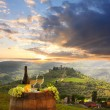 White wine with barrel on vineyard in Chianti, Tuscany, Italy — Stockfoto