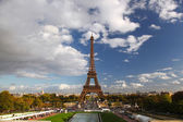 Eiffel Tower with fountains in Paris, France — Stock Photo