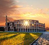 Koloseum v jarním období, Řím, Itálie — Stock fotografie