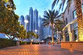 Dubai Marina with skyscrapers and boats in Dubai, United Arab Emirates — Fotografia Stock