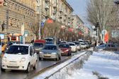 Car flow on Lenin's prospectus — Stock Photo
