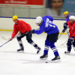 Hockey match of Amateur commands at the Volgograd indoor ice rink — Stockfoto