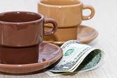 Esboço: dicas em dólares no café. — Fotografia Stock