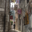 The narrow street of Korcula, Korcula Island in Croatia — Stock Photo