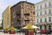 Contrasts in Warsaw, Grzybowski square — Stock Photo