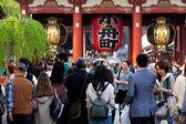 The giant red lantern in the Senso-ji Temple — Stock Photo