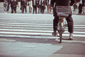 People ride bicycles — Stock Photo