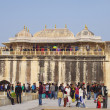 JAIPUR, INDIA - JAN 05: Many tourists in Amber Fort — Stock Photo