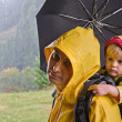 Parent with child in travel — 图库照片