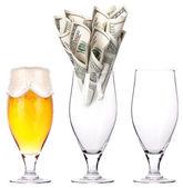 Peníze pivo pít obchodní koncepce současné — Stock fotografie