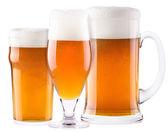 Gelido vetro di birra leggera set isolato — Foto Stock
