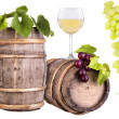 Grapes with wine glass and wooden vintage barrel — 图库照片