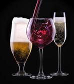 Alkohol drycker uppsättning isolerad på en svart — Stockfoto