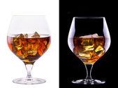 Coñac o brandy en un blanco y negro — Foto de Stock
