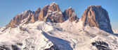 Montañas de invierno en los alpes italianos — Foto de Stock