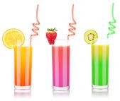 スプラッシュとガラスのおいしい夏のフルーツ飲料します。 — ストック写真
