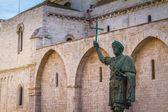 Roman emperor statue — Stock Photo