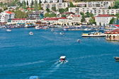 BALAKLAVA, CRIMEA, UKRAINE Bay with Yacht boats and seaside view town — Stok fotoğraf