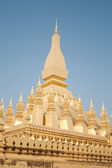 Wat Thap Luang in Vientiane, Laos against the blue sky — Stock Photo