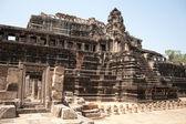 Le rovine di un antico tempio di angkor — Foto Stock