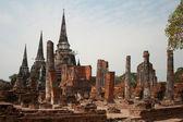De ruïnes van een oude boeddhistische klooster in thailand — Stockfoto