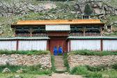 在蒙古佛教修道院的山大厦 — 图库照片
