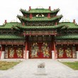 Tiered roof and a large gate to the territory of a Buddhist monastery in Mongolia — Stock Photo #19120055