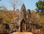Gates with three towers, leading to the territory of the ancient temple of Angkor — Stock Photo