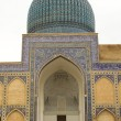 Ancient mosque in the city of Samarkand, Uzbekistan — Stock Photo #25654025