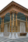 Carved wooden columns in the ancient mosque — Stockfoto
