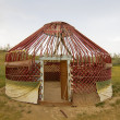Kazakh yurt in the Kyzylkum desert in Uzbekistan — Stock Photo