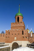 High brick wall and Kazanskaya Tower in the Tula Kremlin — Stock Photo