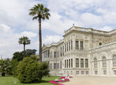 The building of Dolmabahce Palace in Istanbul — Stock Photo