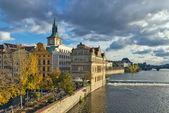 Smetana embankment, praag — Stockfoto