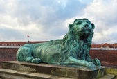 Sculpture of a lion — Stock Photo