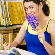 Learing Into a Library — Stock Photo