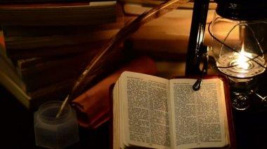 Studio della bibbia — Video Stock
