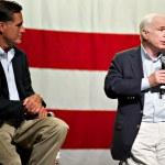 Mitt Romney and Senator John McCain appear at a town hall meetin — Stock Photo #36786715