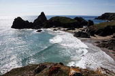 Rolling waves at Kynance Cove, Cornwall — Stock Photo