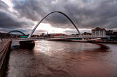 Tyne river millenium bridge — Stock Photo