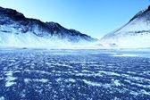 Praia vulcânica congelada nos fiordes leste — Foto Stock