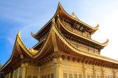 El templo de oro en la cima de monte emei. — Foto de Stock