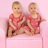 Gemelas idénticas — Foto de Stock