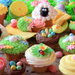 Easter cupcakes and Easter eggs — Stock Photo