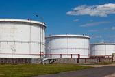 Zbiorniki rafinerii — Zdjęcie stockowe