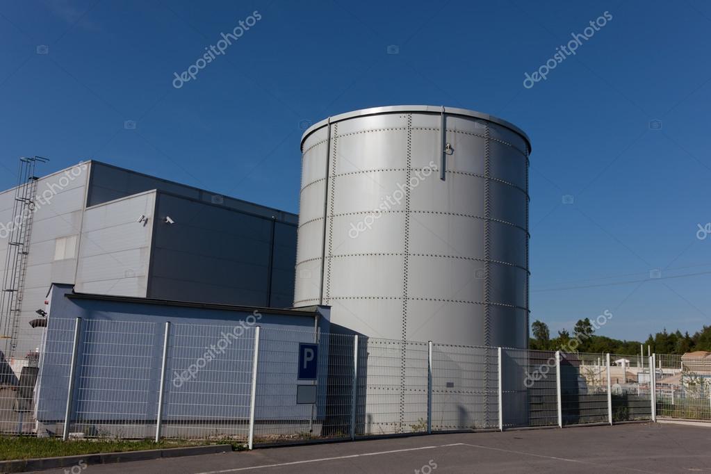 Water Tank Irrigation System : Sprinkler tank — stock photo jarous